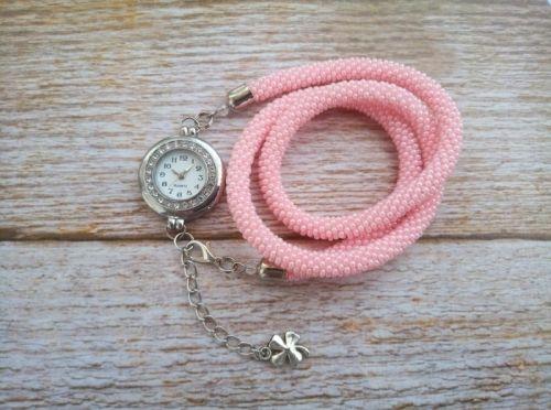 Годинник рожевий з бісеру