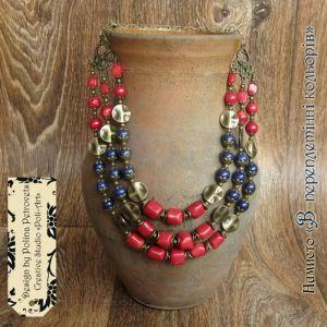 """Ожерелье из коралла Ожерелье с натуральным камнем лазуритом и кораллами """"В преплетинни цветов"""""""