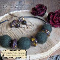 """Комплект намисто та сережки з вовни та кераміки """"Осіння свіжість"""""""