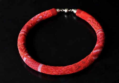"Beaded necklace ""In the Reds"""