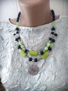 Ожерелье ручной работы Бусы с оберегом Алатырь