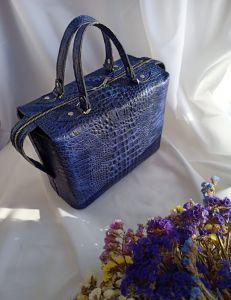 Процюк Виктория Стильная женская сумочка-саквояж из натуральной кожи
