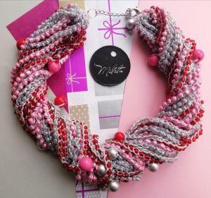 Ожерелья и колье ручной работы Розовые лепестки