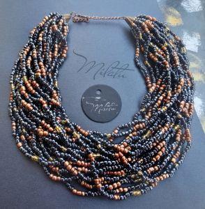 Beaded necklaces Чорний графіт