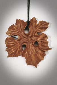 """Кулон из дерева """"Листок винограда"""", кулон ручной работі"""