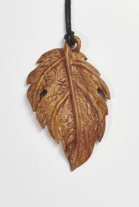 Кулон з дерева «Весняне тепло», кулон ручної роботи
