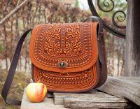 Большая кожаная сумка рыжая с тиснением орнаментом этно бохо стиль