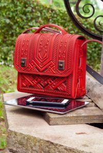 Рогозян-Ухман Людмила Колоритная сумка на каждый день кожаная красная через плечо, под планшет