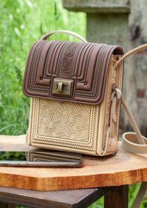 Жіночі сумки ручної роботи Маленька шкіряна сумочка через плече бежево-коричнева прямокутна з тисненням