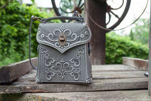 Рюкзак ручной работы Сумочка-рюкзак кожаная женская серая с тиснением