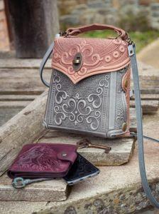Сумки ручной работы Сумочка-рюкзак кожаная женская серая с пудровым с орнаментом