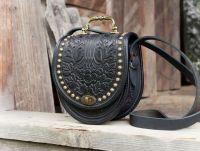Женская кожаная сумка черная через плечо вечерняя с тиснением бохо стиль