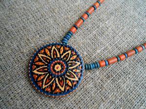 Ожерелья и колье ручной работы Цветочный мотив