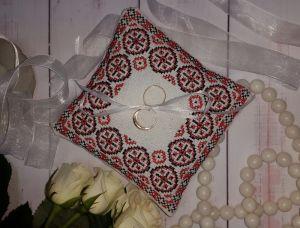 Декоративні подушки Весільна подушечка для обручок