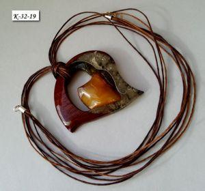 Стеклянный кулон Кулон из сапелли