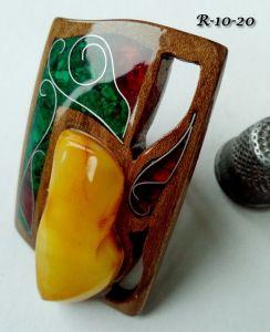 Кольца ручной работы Перстень из береста. С янтарем