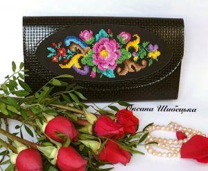 Женские клатчи ручной работы Кожаный женский клатч с вышивкой
