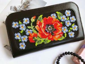 Кошельки ручной работы Кожаный женский кошелёк с вышивкой