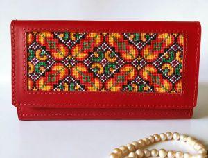 Кошельки ручной работы Красный кожаный женский кошелёк с орнаментом
