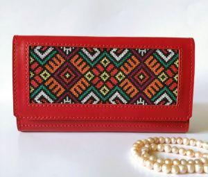 Кошельки ручной работы Красный кожаный кошелёк с орнаментом