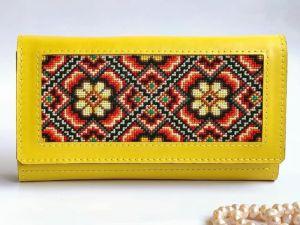 Кошельки ручной работы Кожаный женский кошелёк с украинским орнаментом