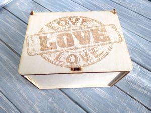Вироби з дерева ручної роботи Коробка подарункова Love, коробка для презентації