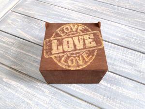 Изделия из дерева ручной работы Компактная коробка для подарка мужчине Love. Подарочные коробки для мужчин.