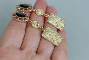 Швайковская Оксана Длинные золотые металлические серьги Египет