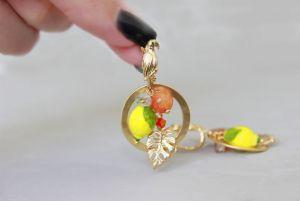 Швайковская Оксана Летние яркие серьги с лимонами, попугаями жадеитом и кристаллами Сваровски