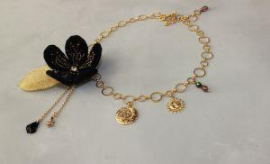 Прикраси ручної роботи Кольє-чокер із ланцюгами, перлами і вишивкою