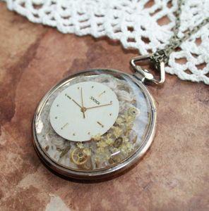 Кулоны ручной работы Кулон Бузина в корпусе винтажных карманных часов