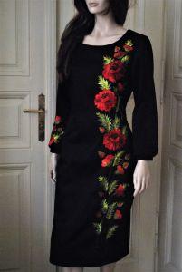 Вышитое женское миди платье - черное платье с маками- ручная вышивка на платье