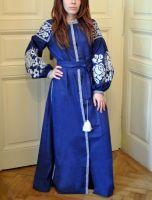Вышитое женское бохо платье на натуральном льне