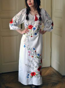 Ручная работа - вышитое макси платье Цветочное поле