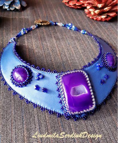 Колье с фиолетовыми агатами