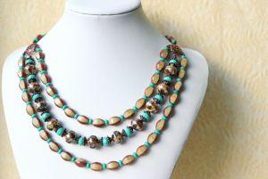 Ожерелье Бежевое с бирюзой