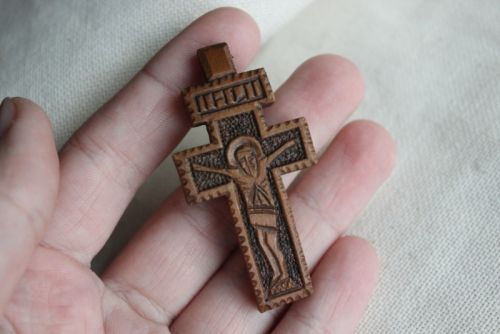 Нательный крестик