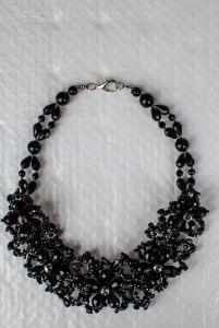 Ожерелье из бисера Ночь