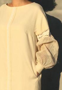 Платья ручной работы Платье молочного цвета прямого покроя