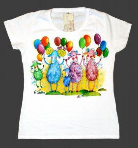 """Модная женская одежда Футболка женская """"Овечки с воздушными шариками"""""""