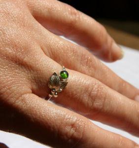 Кольца ручной работы Сребряное кольцо с хромдиопсидом