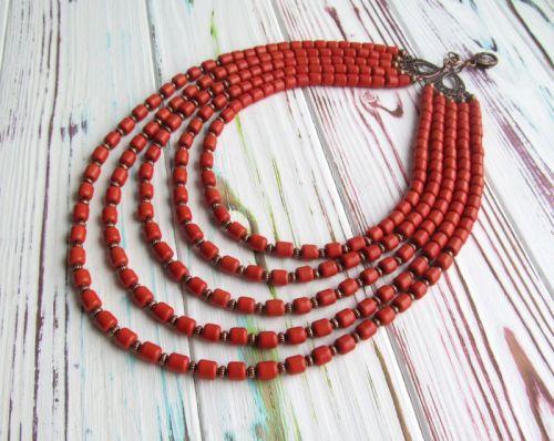 Ожерелье из керамики