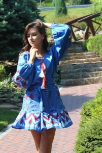 Вышитые платья Вишита сукня з геометричною вишивкою