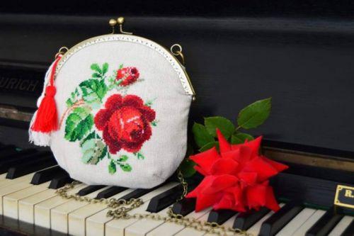 """Сумочка """"Трояндове диво"""""""