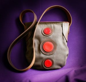 Тканевая сумка с кожаными элементами