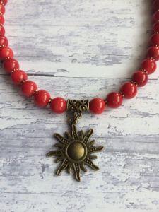 Ожерелье из коралла с подвеской