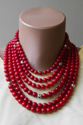 Ожерелье из коралла с кистями