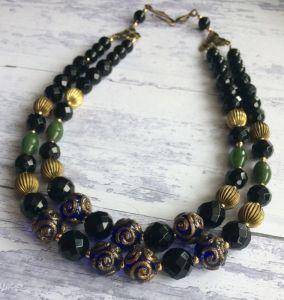 Ожерелье из агата и лэмпворк