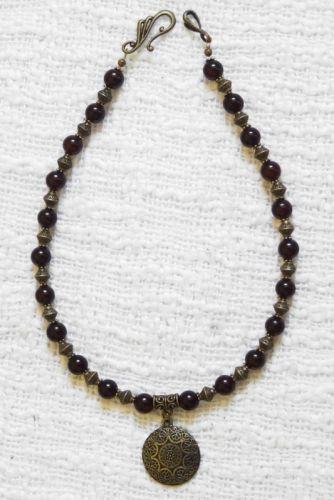 Ожерелье из агата с подвеской малой
