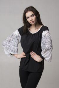 """Вышиванки ручной работы Блуза из серии """"Black & White"""""""